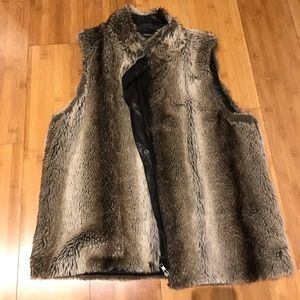 Beautiful Faux Fur Brown Vest